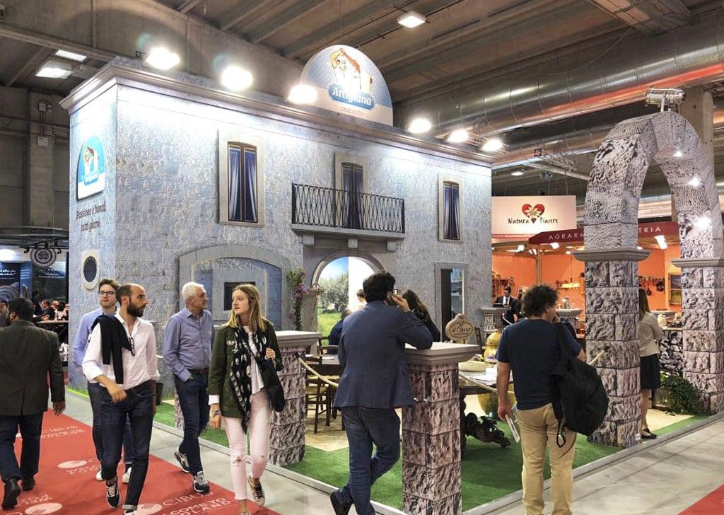 Allestimento di Stand fieristici CIBUS PARMA Caseificio Artigiana