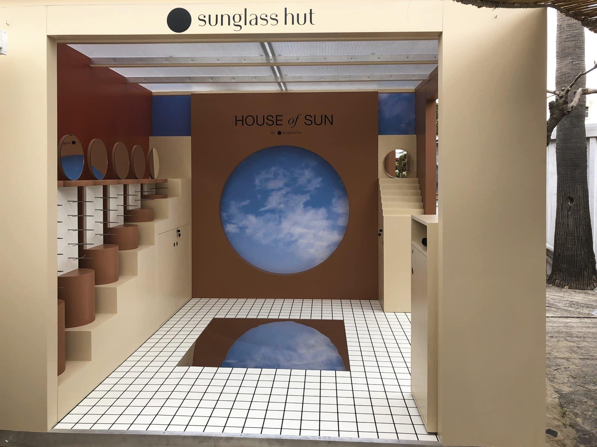 Allestimento Stand Sunglass Hut Saint Tropez